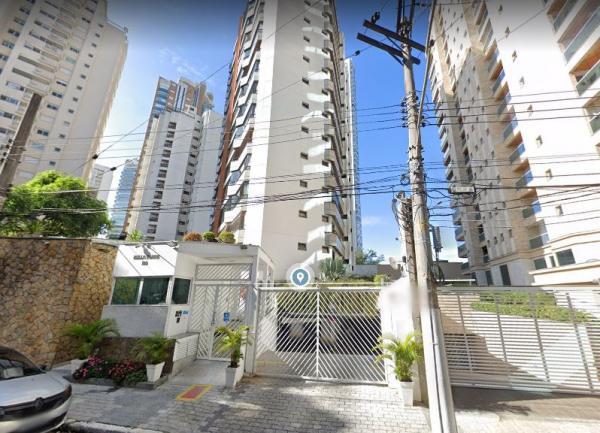 Rua Cândido Lacerda, 109